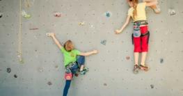 Ab wann dürfen Kinder an eine Kletterwand ?