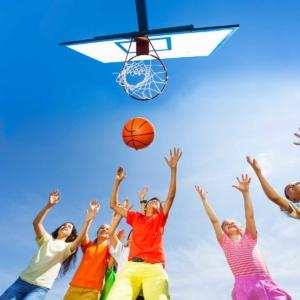 Basketball im Garten