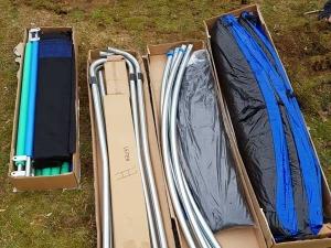 Hudora Fitnesstrampolin Einzelteile im Karton