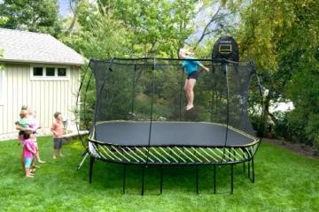 Foto im Garten Springfree S155 - Jumbo Ø 400cm x 400cm reine Sprungfläche
