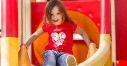 Unfallgefahr bei einer Kinderrutsche mindern
