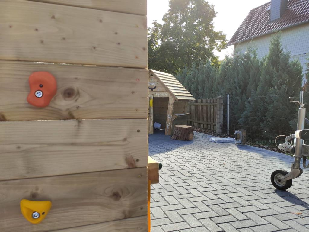 Wickey Klettertrum und Fatmoose Spielhaus